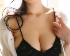武汉明星医疗美容医院自体脂肪隆胸需要多少钱?