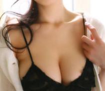 武汉明星医疗美容医院自体脂肪隆胸需要多少钱?...