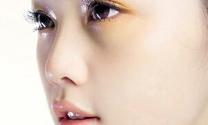 隆鼻失败修复 让你重拾美丽和自信