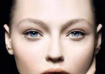 双眼皮手术有哪些潜在的风险要注意呢