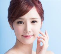 通过脂肪转移手术让你的脸更有活力