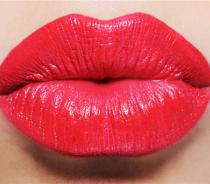 为什么女性喜欢丰唇手术